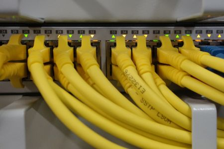 Datenverbindungen – Ethernet, Power-LAN, WLAN, Glasfaser